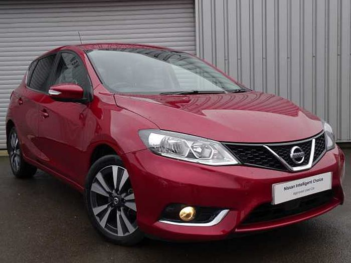 Nissan Pulsar 1.5 dCi N-Connecta Hatchback 5-Door Red