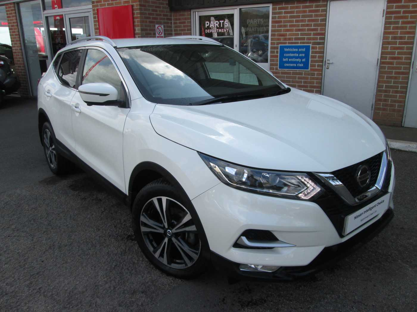 nissan qashqai white for sale in truro nissan used cars. Black Bedroom Furniture Sets. Home Design Ideas