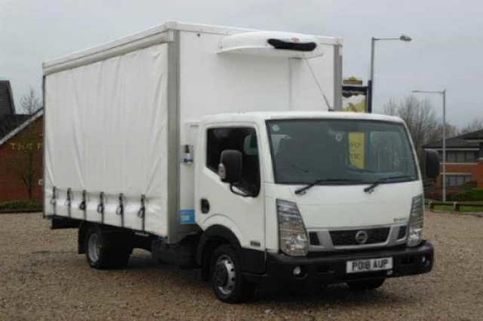 Nissan NT400 CABSTAR 3.0dCi (130) 35.13 LWB Chassis Cab White