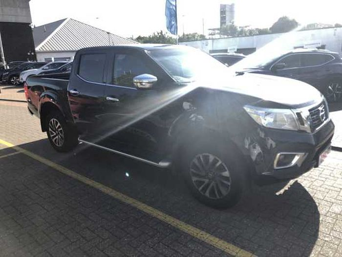 Nissan Navara 2.3dCi EU6 N-Connecta Double Cab 4WD PickUp Black