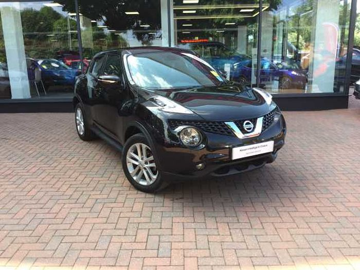 Nissan Juke 1.2 DIG-T N-Connecta 5-Door Hatchback Black