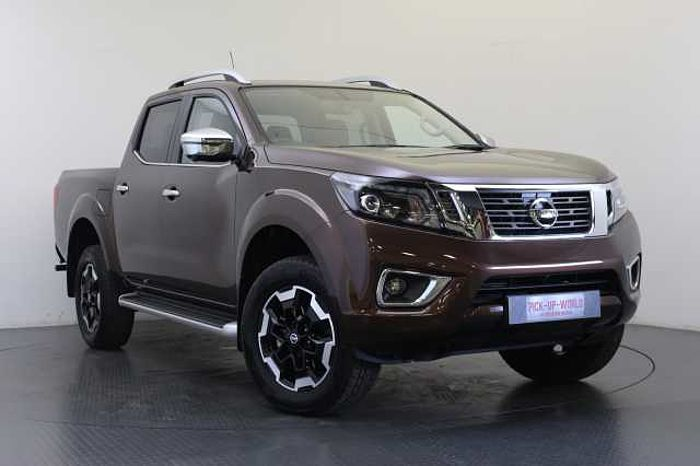 Nissan Navara 2.3 dCi 190 TT 4WD Tekna Auto Double Cab Pickup Earth Bronze Metallic