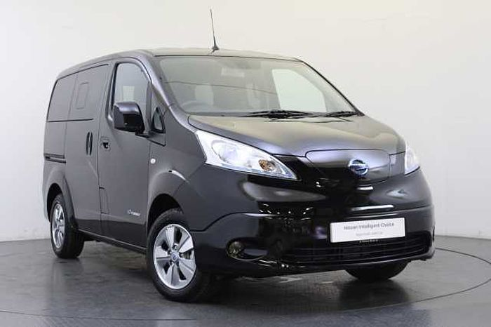 Nissan e-NV200 Combi 40KW Evalia Auto with 7 Seats and Heat Pack Black