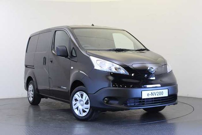 Nissan e-NV200 40KW Acenta Van with Heat Pack Black