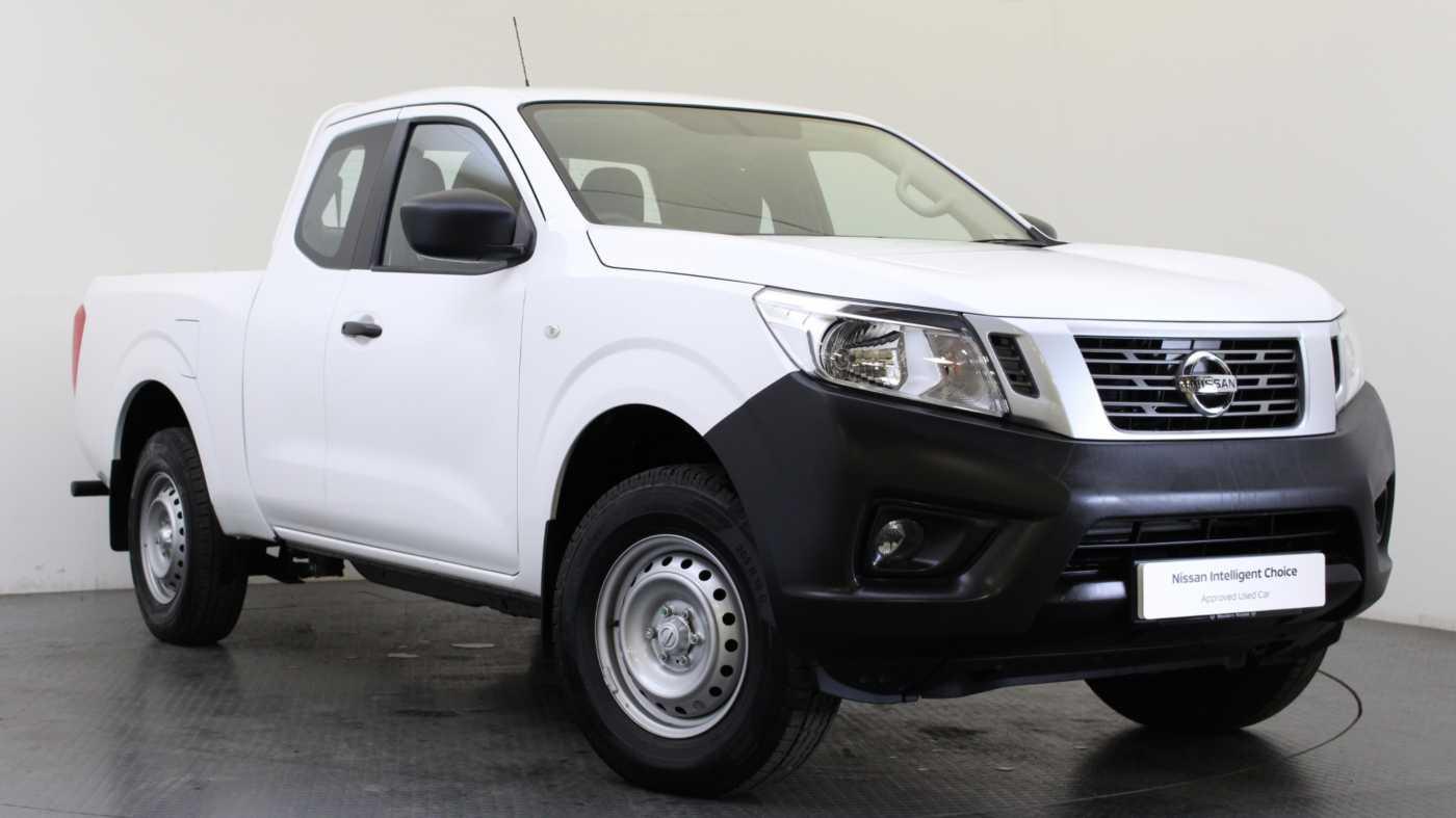 Nissan NAVARA 2.3 dCi 160 2WD Visia King Cab Pickup Alabaster White