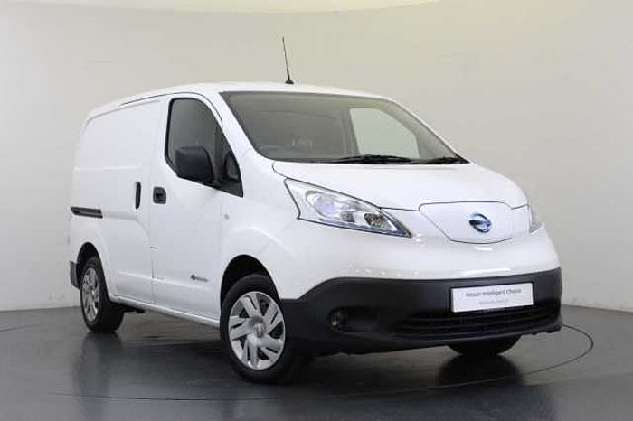 Nissan e-NV200 40KW Visia Panel Van 6.6KW Charger with AC and Heat Pack Alabster White