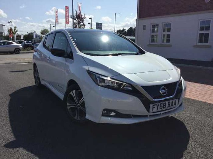 Nissan Leaf 40kW [150] Tekna 5dr Hatchback Storm White with Black Roof