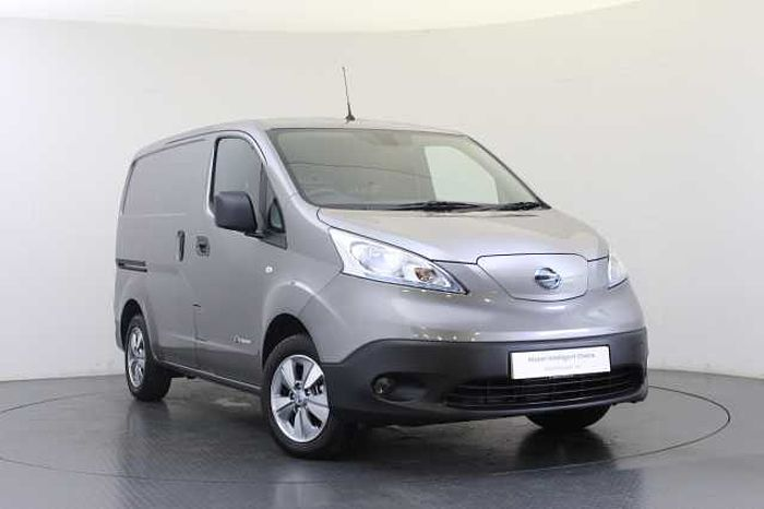 Nissan e-NV200 24KW Tekna Rapid Plus Panel Van with 6.6KW Charger and Heat Pack Twilight Grey