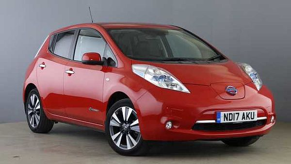 Nissan Leaf (30kWh) Tekna Hatchback 5dr Electric Automatic (0 g/km, 107 bhp) Red